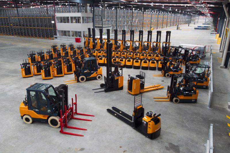 Short-term Material Handling Equipment Rental